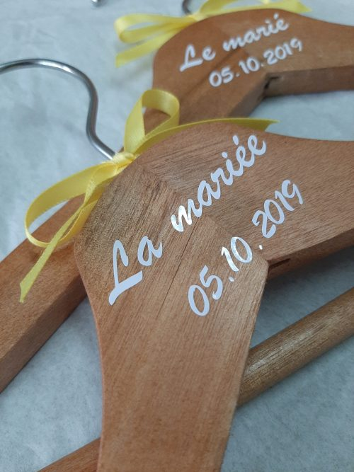 Cintres personnalisés décoration mariage Nantes Loire-Atlantique